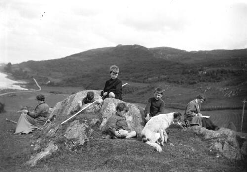 The Millers and McLeans on the hilltop above Creag a Mhadaidh, Loch Sween.