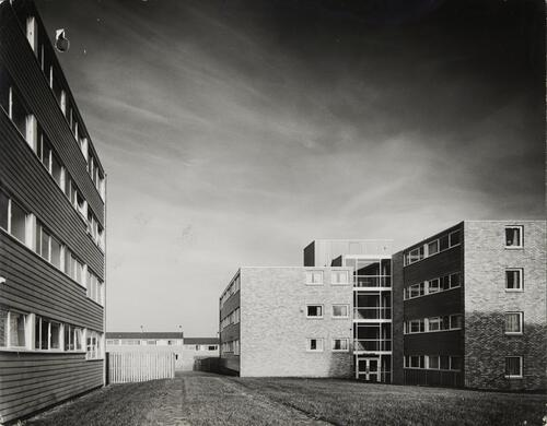 [East Kilbride - Westwood IX, view of flat blocks]