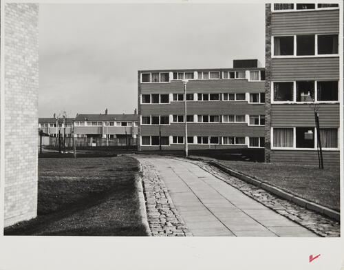 [East Kilbride, Westwood IX, view of pedestrian walk between the buildings]