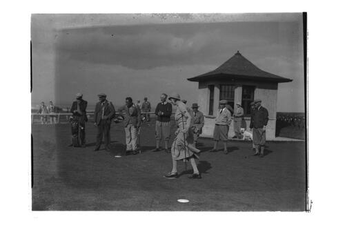 Joyce Wethred / Dorothy Pearson at the 1st Tee, the Old Course, St Andrews.