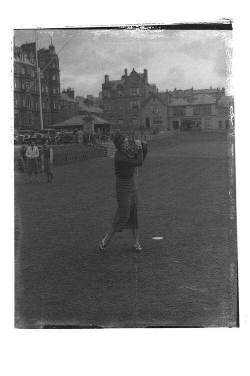 Dorothy Pearson at the 1st Tee, the Old Course, St Andrews.