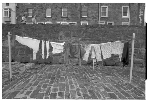[Washing Lines, Cellardyke Harbour]