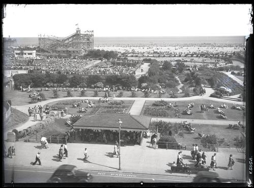 North Parade showing Bathing Pool and Gardens, Skegness.