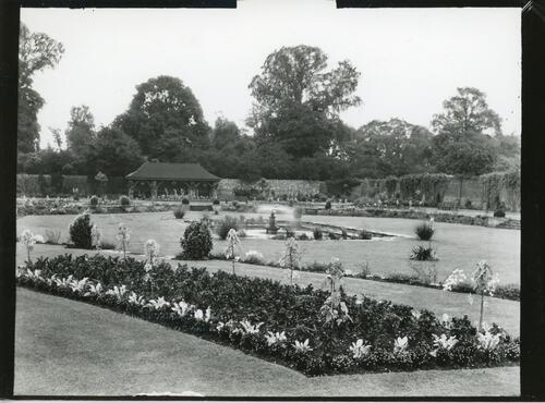 King George V Memorial Garden, Edgware.