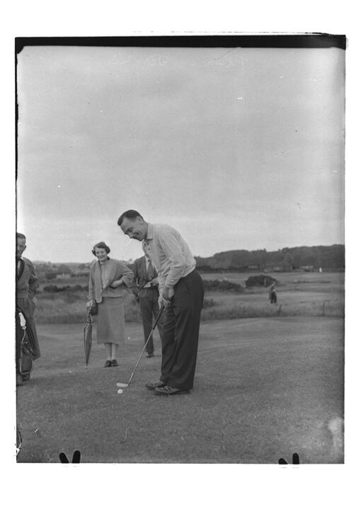 Frank Jowle [at St Andrews].