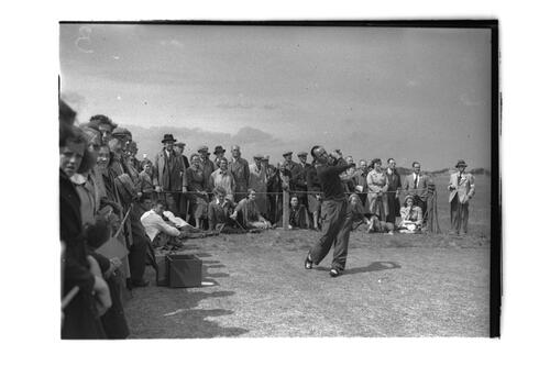 Hector Thomson teeing off.