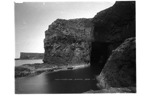 Mackinnon's Cave, Staffa.