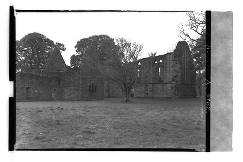 Inchmahome Priory.