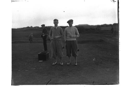 Eric McRurie and golfer at St Andrews.