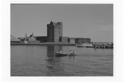 Castle & Harbour, Broughty Ferry