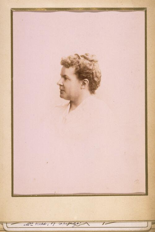 Mrs E Reed of Chiago.