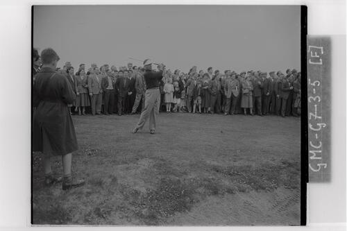 Lloyd Mangrum teeing off at Carnoustie during the Open Championship 1953.