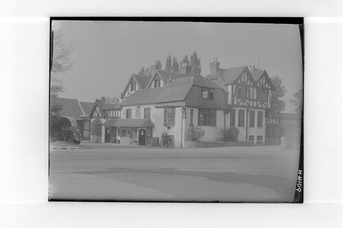 "The ""Chequers"", Horley."